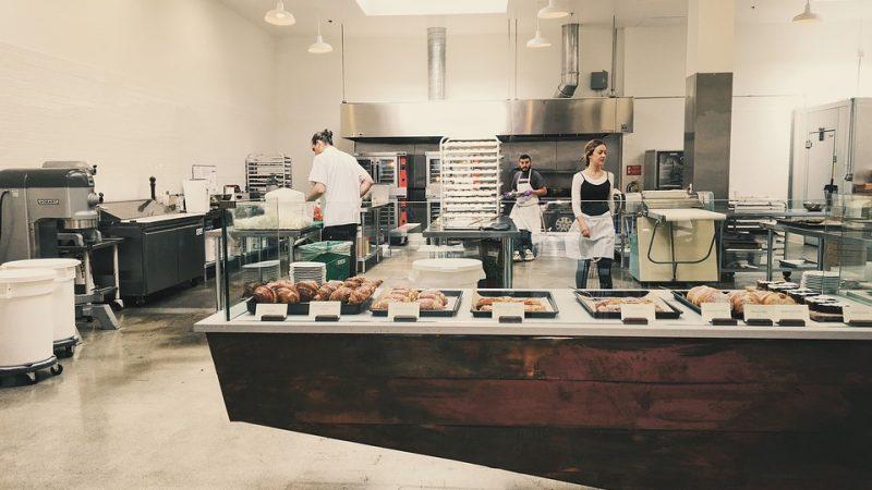 Comment améliorer ses ventes en optimisant l'aménagement de sa pâtisserie?